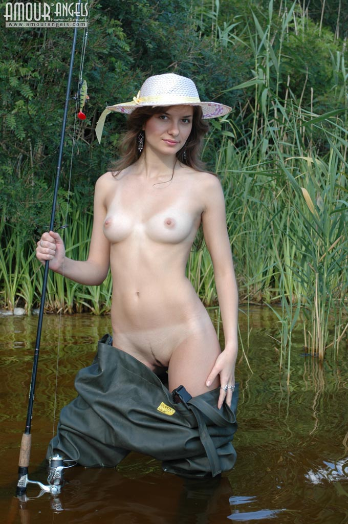 Girl Fishing Naked-3811