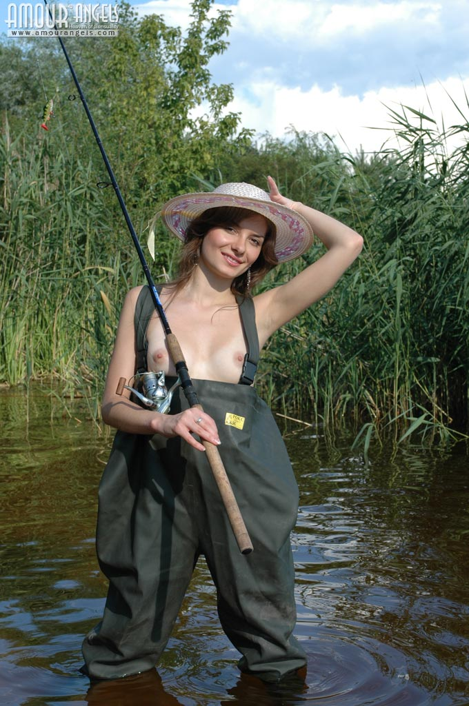 Girl Fishing Naked-7418