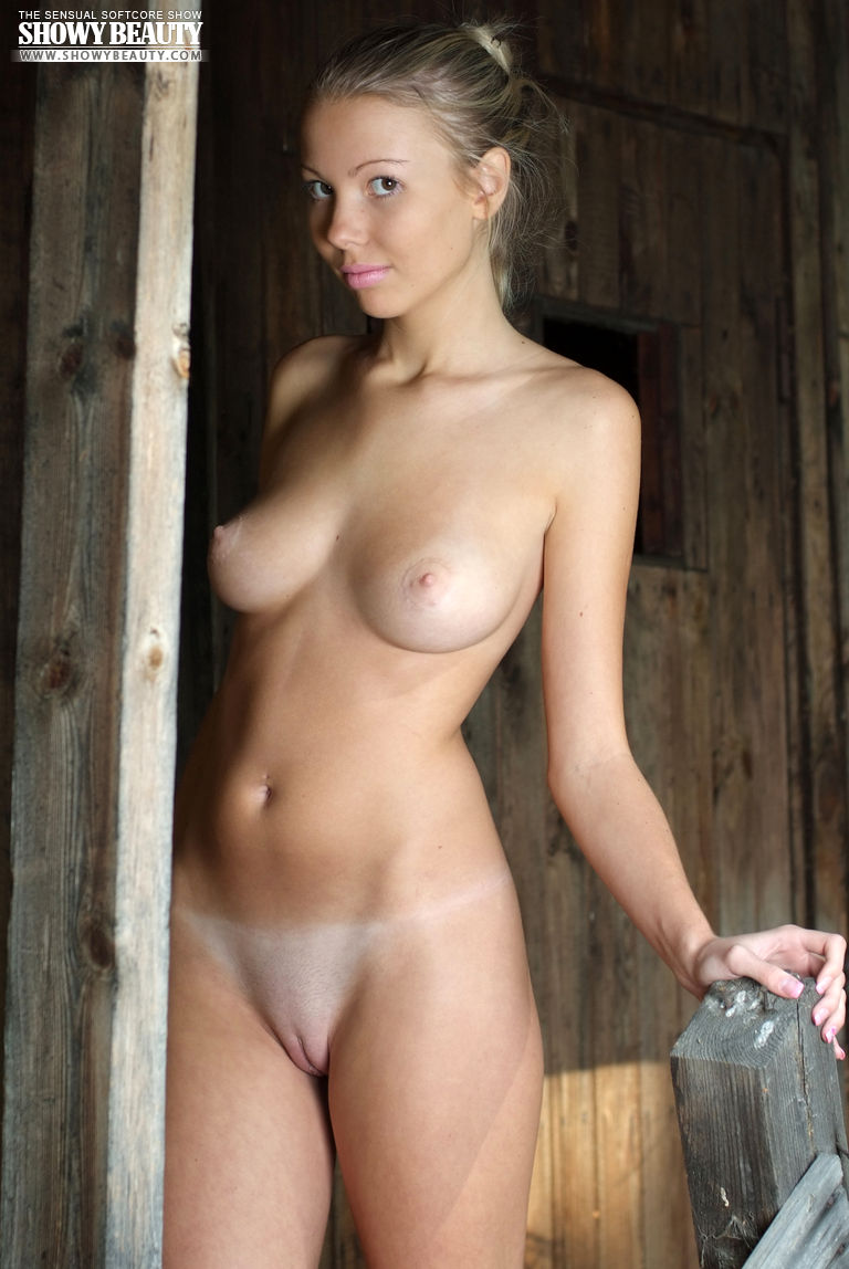 Perfect naked babe - Hot Girls Board