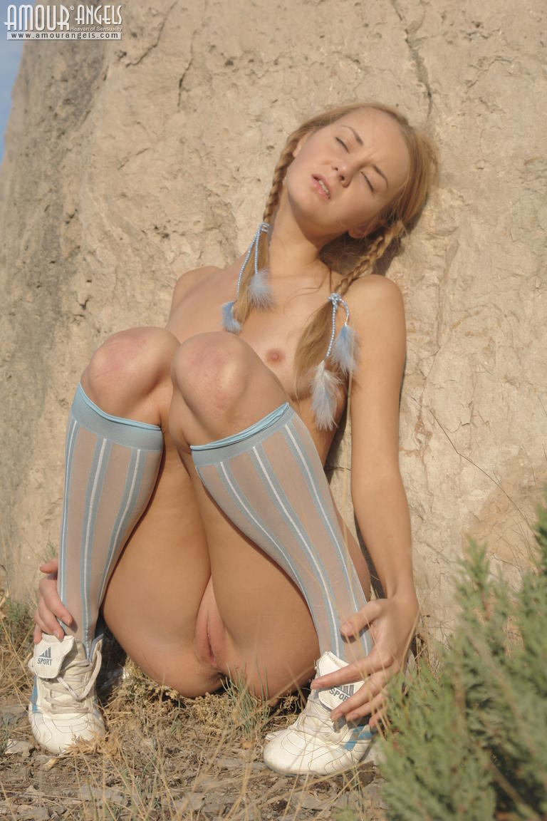 nude hiking free videos