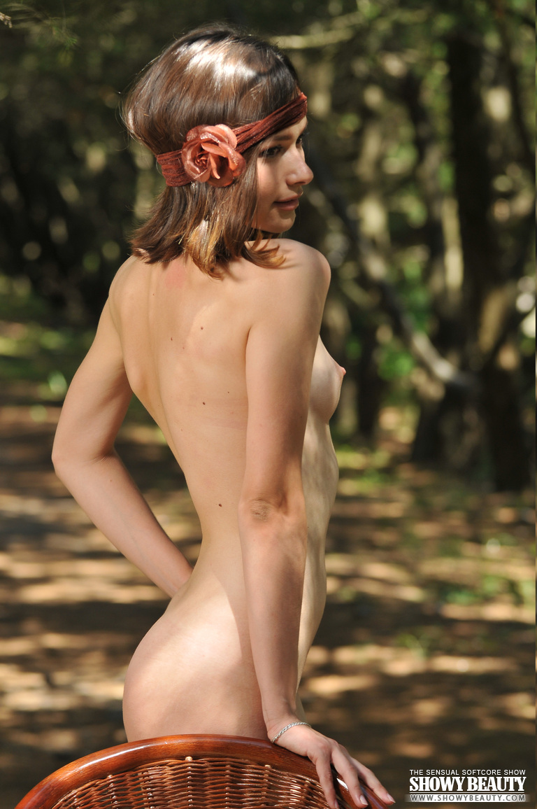 Posing Naked Outdoor-2265