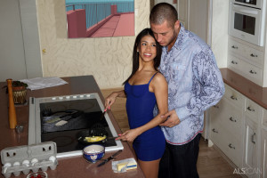 Veronica Rodriguez, Danny Mountain in Dinner Date